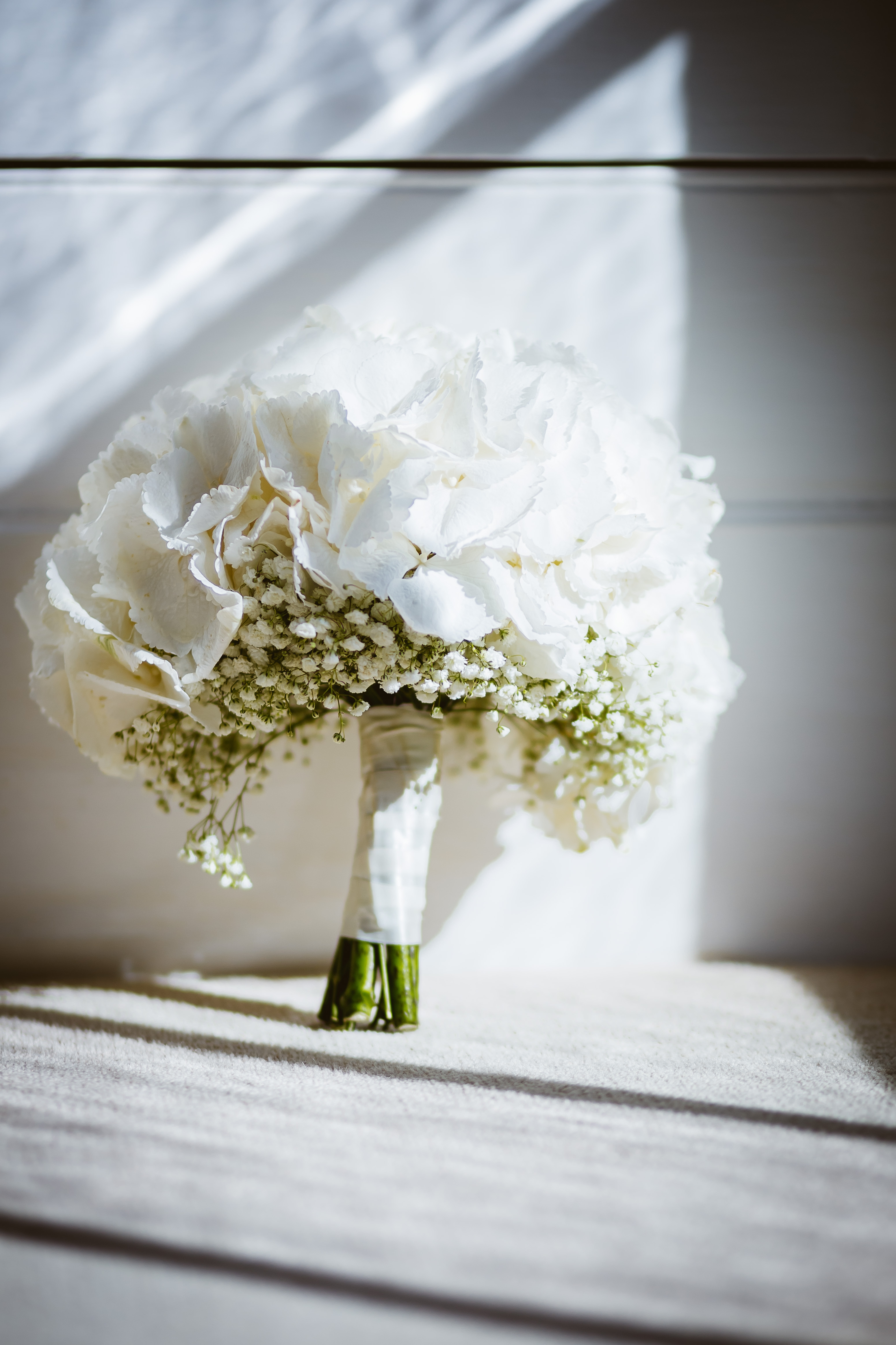 Lemon and White Wedding – Bridal Flowers Direct