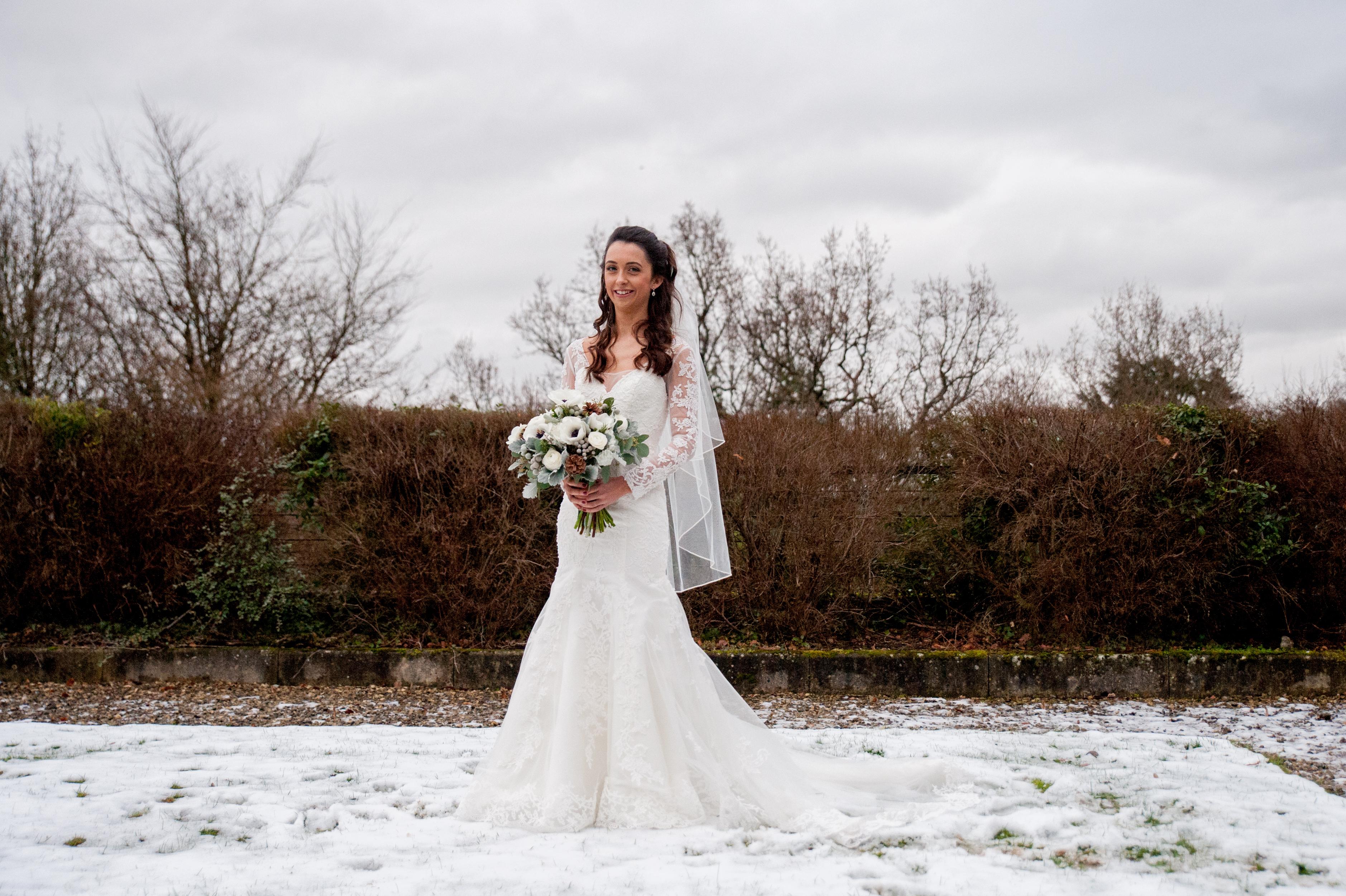 A Memorable Winter Wedding – Bridal Flowers Direct